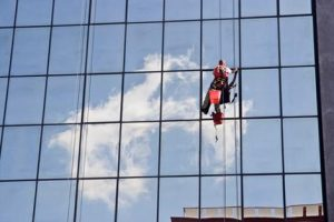 Lau kính tòa nhà - công ty vệ sinh cleanhouse